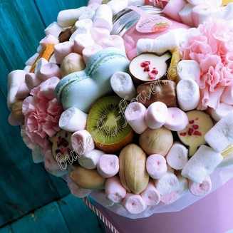 """Food bouquet of sweets, honey, fruits, nuts and flowers in the design box """"Sweet No.801"""""""