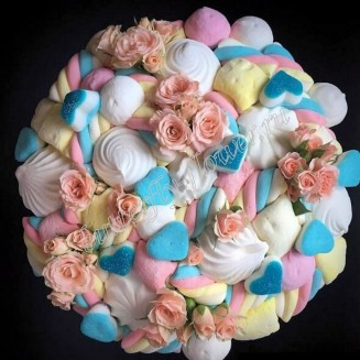 """Food bouquet with sweets and a bush rose in designer box """"Sweet No.804"""""""